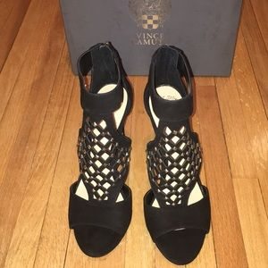 Vince Camuto Shoes - NWT Vince Camuto Black Suede Heels 9M